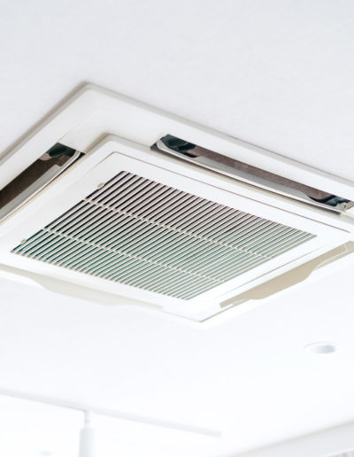 Klimaanlage in Decke